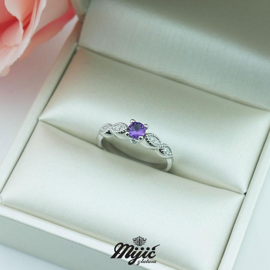 Dijamantski prsten sa ametistom