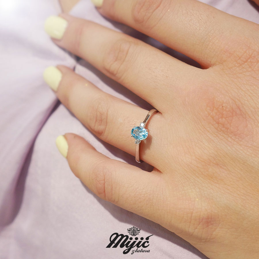 Dijamantski prsten sa akvamarinom